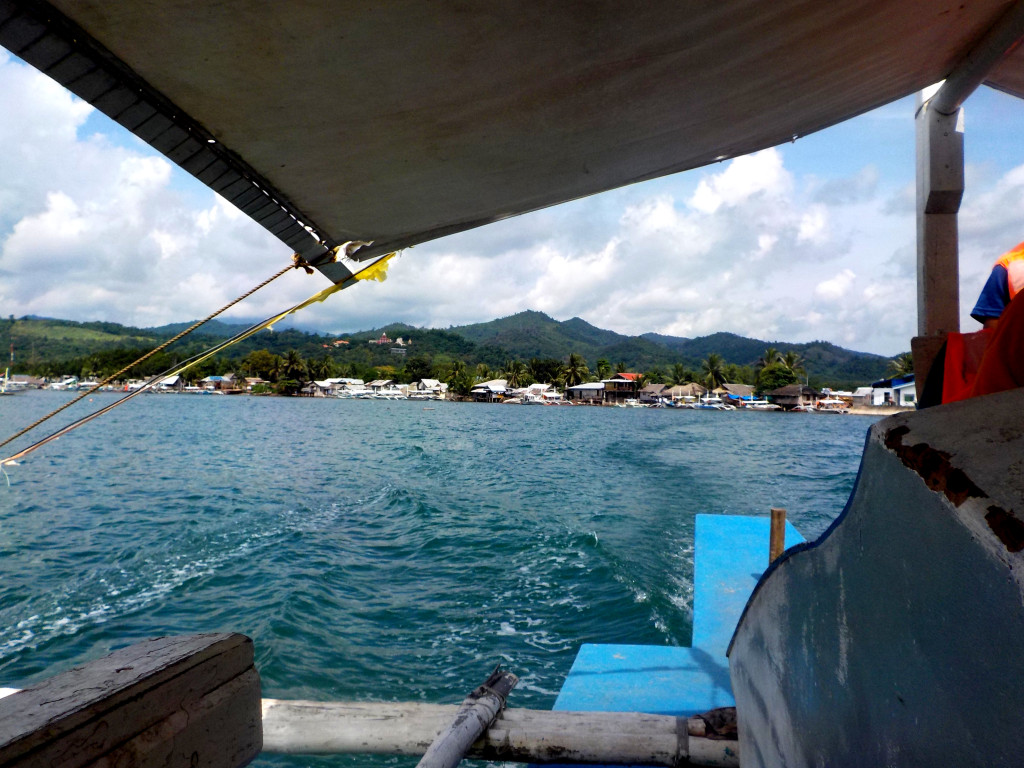 Island hopping - on the way to Cowrie Island