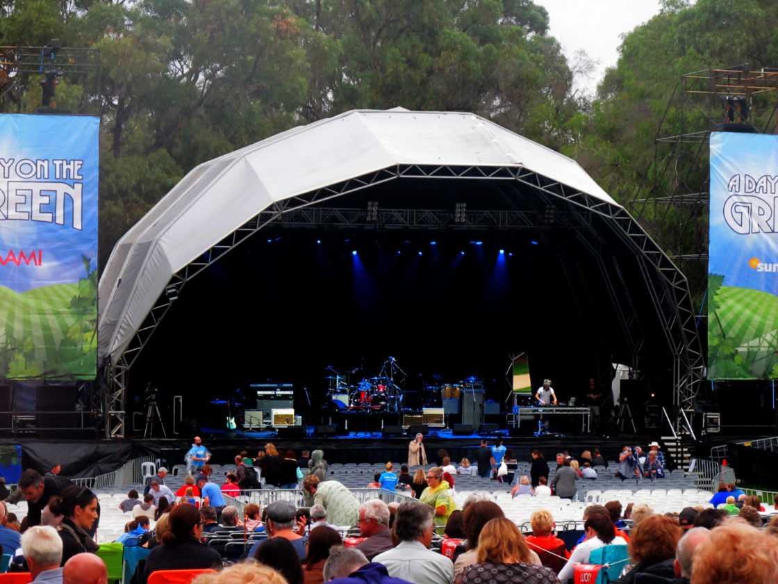 Chris Isaak. King Park Botanic Gardens